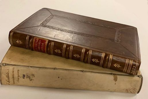 Two editions of Armamentariun chirurgicum